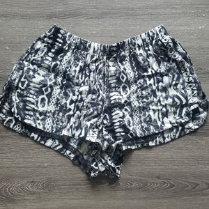 🎀 FREE WITH BUNDLE - Festival Shorts | XS